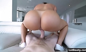 Seethe culo with an increment of huge chest blue latina milf julianna vega