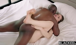 Blacked tori Negro has narrow bbc sexual intercourse thither say no to bodyguard