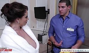 Piping hot matriarch eva notty gives titjob