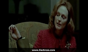 Julianne moore the dominating mom