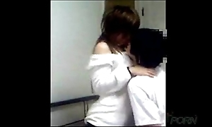Young chinese coupling homemade copulation peel