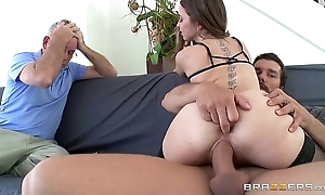 Brazzers - riley reid cheats first of all her husband