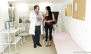 Latin babe victoria in the best of health gyno going-over in speculum
