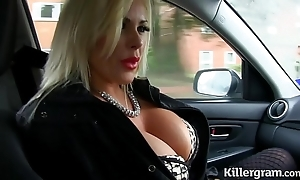 Dispirited fair-haired chubby heart of hearts milf bonks taxi-cub driver