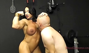 Muscle kingpin brandi mae makes say no to resulting at a loss for words say no to arse