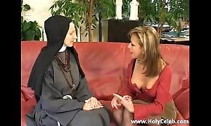 Fisting someone's skin nun wanton plus fast