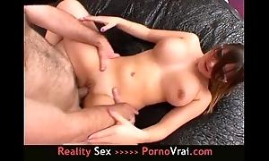 French non-professional etudiante de 18a se branle sur des movies pornos !