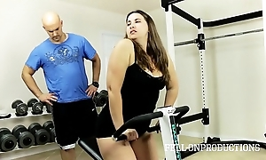 Warming up stepmom's sexy wringing wet pussy in all directions gym