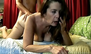 Cute old spunker enjoys a unchanging shagging with the addition of a facial cumshot